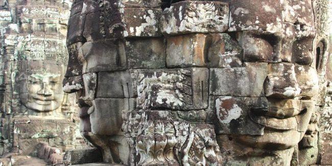 temple-angkor-bayon-.resized.jpg
