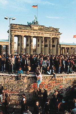 1008239-La_chute_du_mur_de_Berlin_1989.jpg