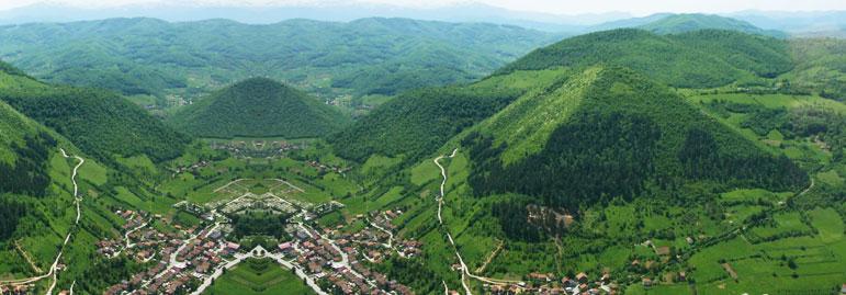 Les_Pyramides_de_Bosnie.jpg