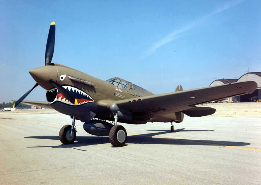 Curtiss_P-40E_Warhawk_2_USAF.jpg