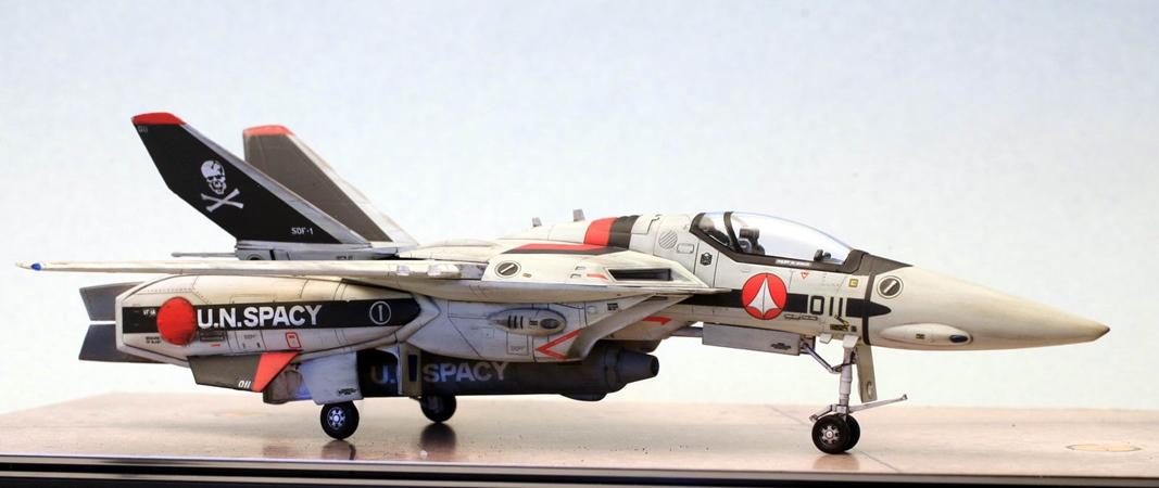 VF-1A_Macross_masa_02 petit.jpg