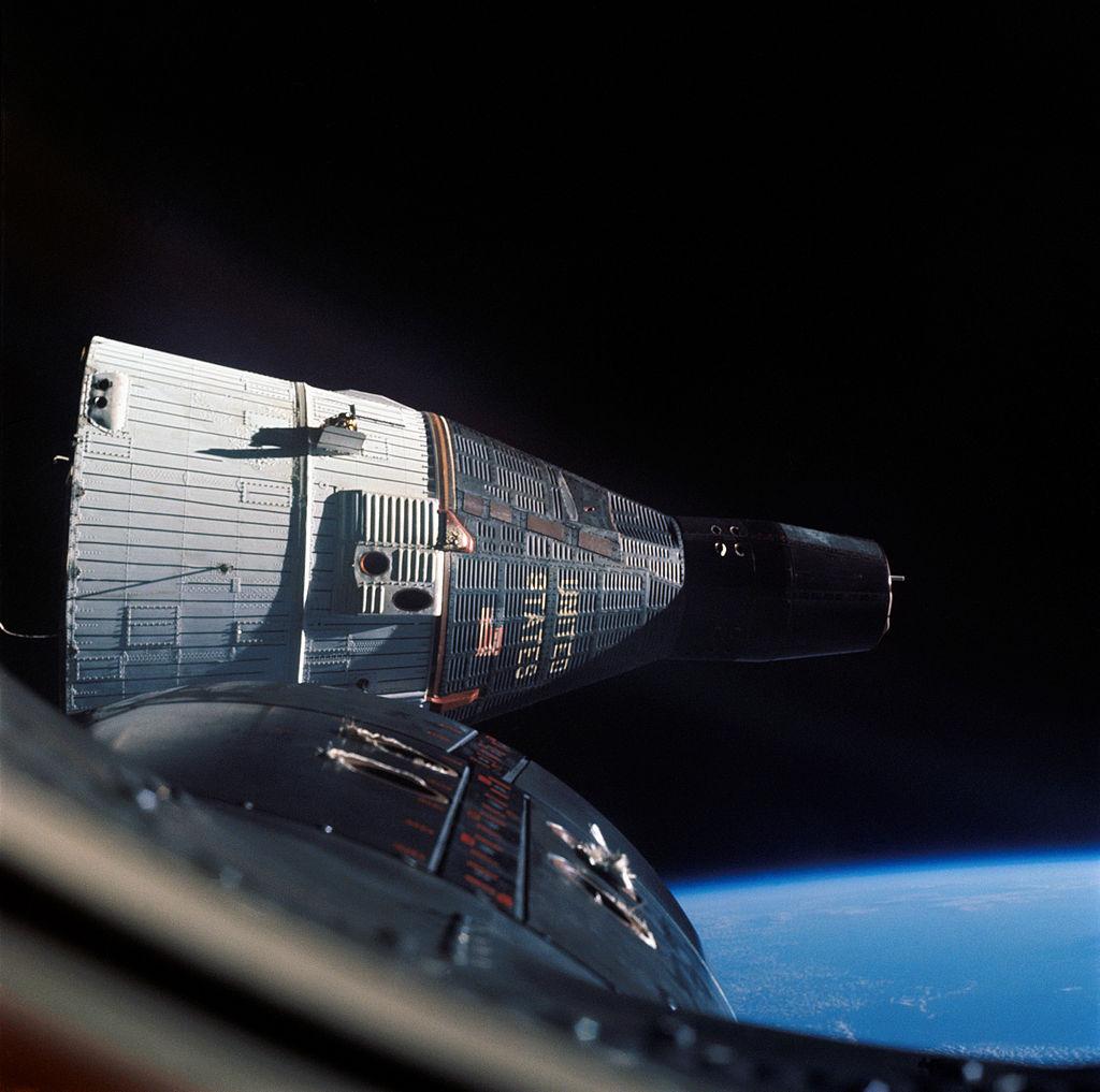 1024px-Gemini_7_in_orbit_-_GPN-2006-000035.jpg