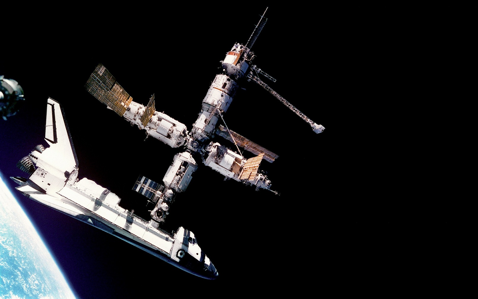 2850089-space-shuttle-space-mir___cosmos-space-wallpapers.jpg