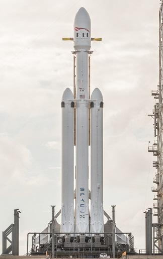Falcon_Heavy_cropped.jpg