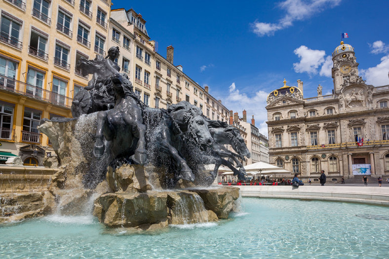rsz_renovation-de-la-fontaine-bartholdi-place-des-terreaux_01t1.jpg