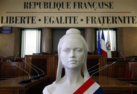 http://www.andlil.com/wp-content/uploads/2013/04/moraliser-politique-risque-grand-deballage.jpg